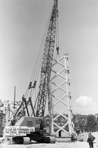 Crane_with_section_of_Space_Needle_core_ca_June_1961.jpg
