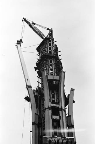 Installing_80_Space_Needle_leg_ca_October_25_1961.jpg