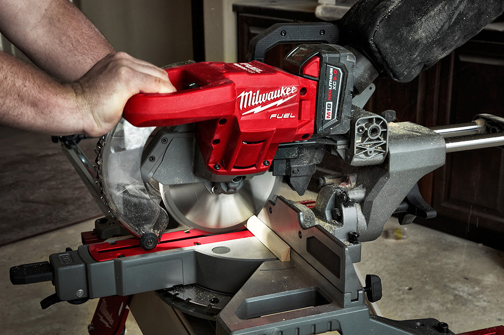 Milwaukee Announces Release of Industry's Lightest Cordless Miter Saw —  Construction Junkie