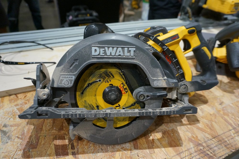 Dewalt 60V Framing Saw Left Blade
