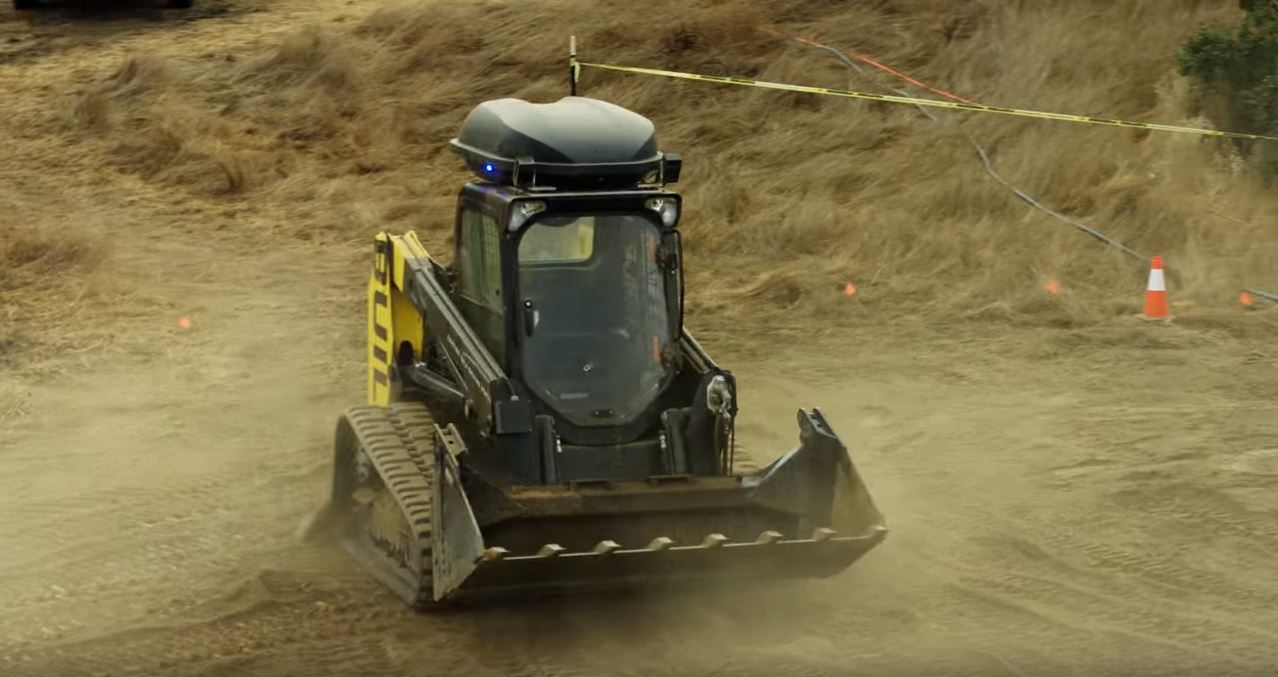 Self-Driving Track Loader Debuts on Construction Sites