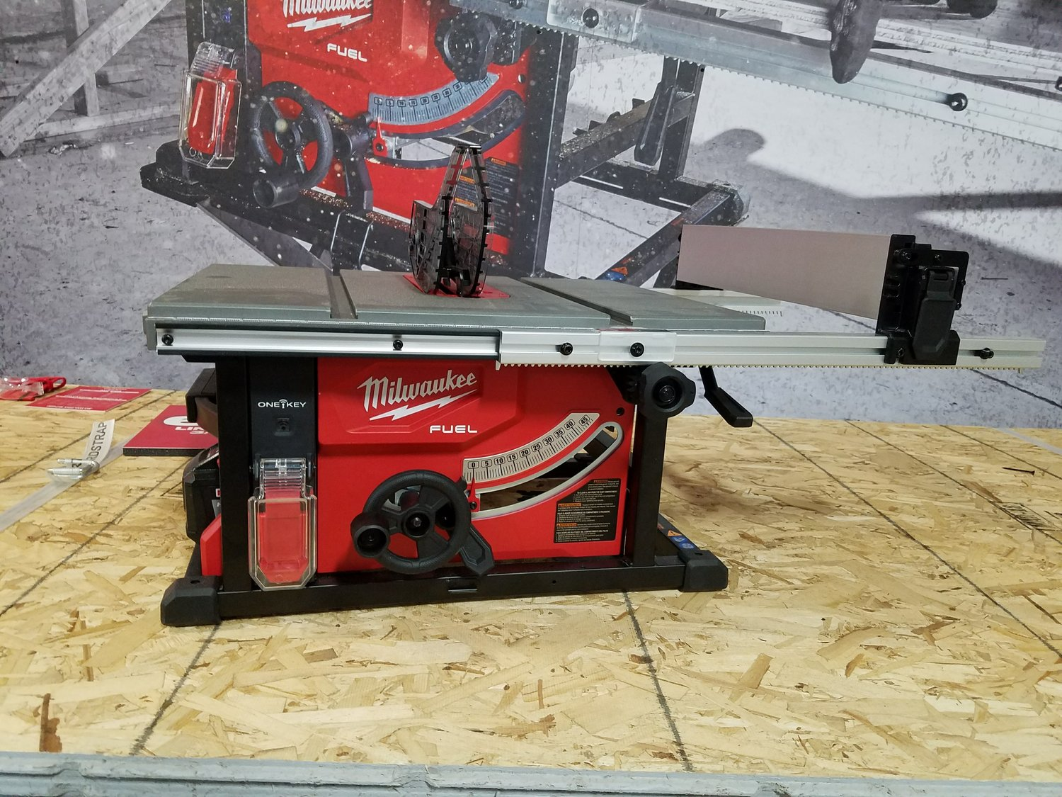 Magnificent Review Milwaukees M18 8 1 4 Cordless Table Saw With One Home Interior And Landscaping Ologienasavecom