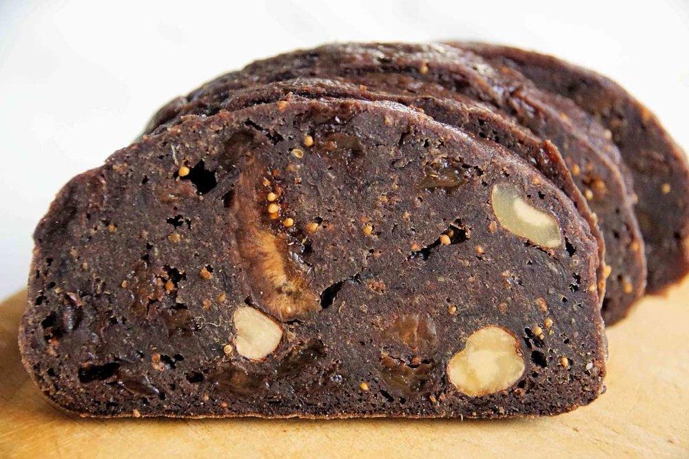 Kletzenbrot_Austrian Fruit Bread.jpg