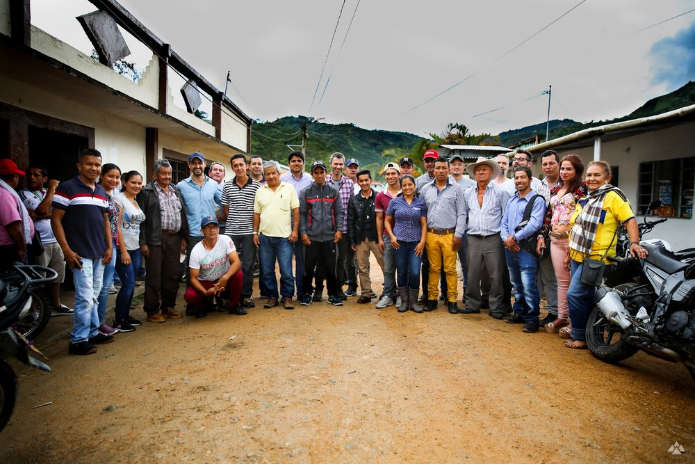 Producers and roasters from the Red Associations, outside the El Carmen Community Hub, November 2018