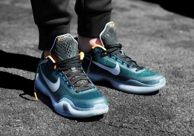 "buy popular 57b72 0fc03 Nike Kobe 10 ""Flight"" On-Feet Photos"