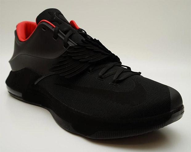 "quality design b2f7e 9f1b3 Kevin Durant Debuts an All-Black Nike KD 7 ""Aunt Pearl"" Sample"