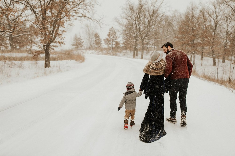 WinterMaternitySession_8.jpg