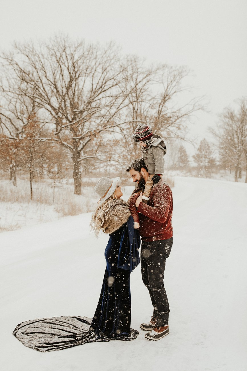 WinterMaternitySession_19.jpg