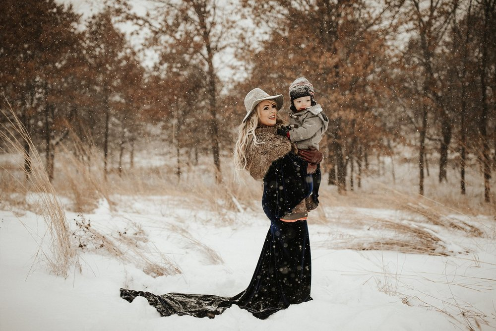 WinterMaternitySession_39.jpg
