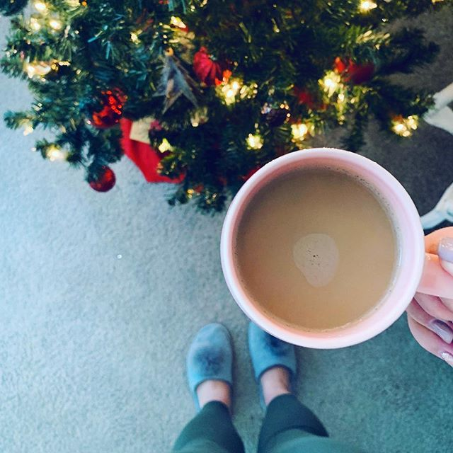 happy New Year's Eve! I haven't picked a focus word for 2019 yet - what are your resolutions? ✨ : . . . #coffee #liveauthentic #livefolk #keepitwild #makeyousmilestyle #lifestyle #thatsdarling #photosinbetween #pursuepretty  #thehappynow #flashesofdelight #howyouglow #nothingisordinary #colorventures #happy #visualcrush #bloggervibes #adventureisoutthere #livethelittlethings #vsco #vscocam #abmhappylife