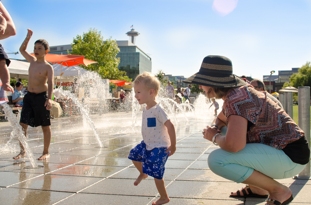 This new splash park at South Lake Union Park is so much fun!