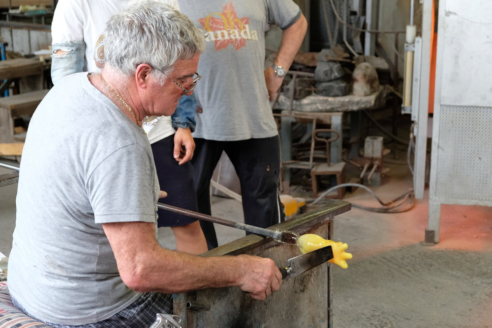 Pino Signoretto in Murano, Italy | Glass Blowing Demonstration | Venice with Kids | Blog Post by Totes and the City