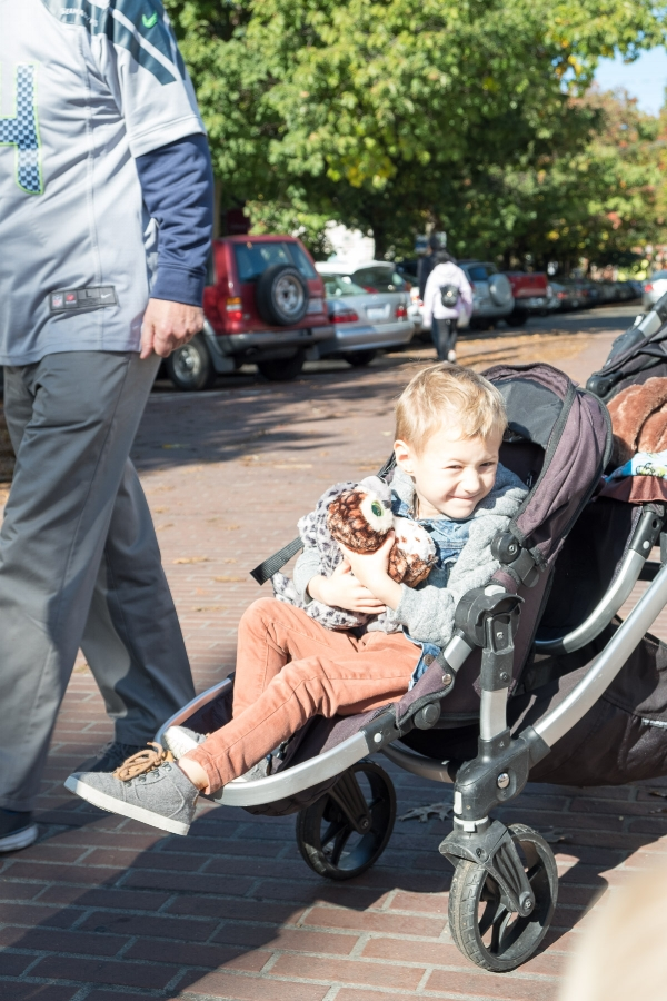 Totes enjoying the sunshine of the Ballard Market from his throne on the Baby Jogger Double Stroller. Photo by Totes and the City