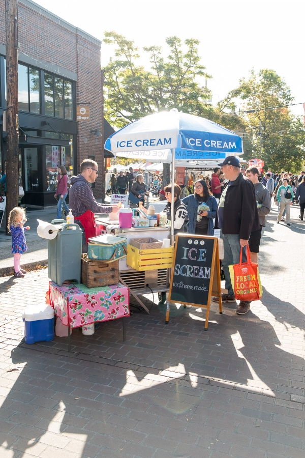 Homemade Ice Scream (Ice Cream) Station at the Ballard Farmer's Market. Photo by Totes and the City