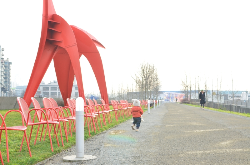 The wide open spaces at the Olympic Sculpture Park in Seattle are great for the exploring toddler | Exploring Seattle by Totes and the City