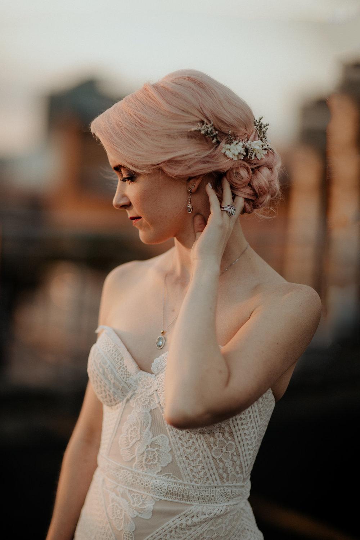 pink-wedding-hair-style-.jpg