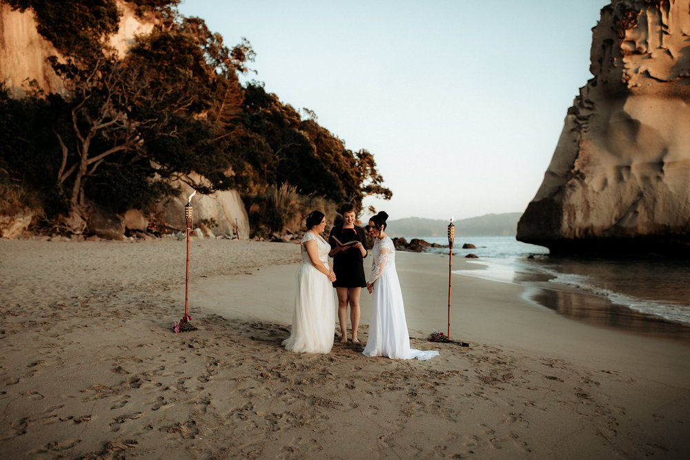 181020 Sandie and Tricia Cathedral Cove20014.jpg