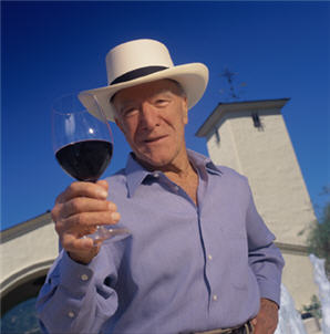 Robert Mondavi wearing our Fine Golf Panama Hat.
