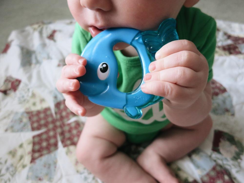 Nuby Easy Teethe Teether | www.rachel-at-home.com