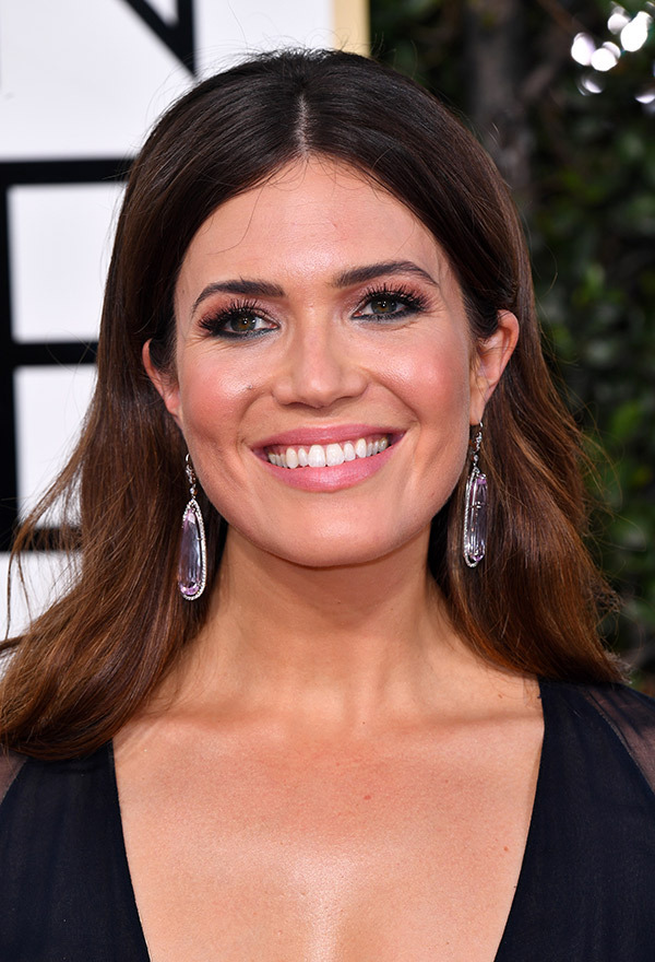mandy-moore-golden-globes-2017.jpg