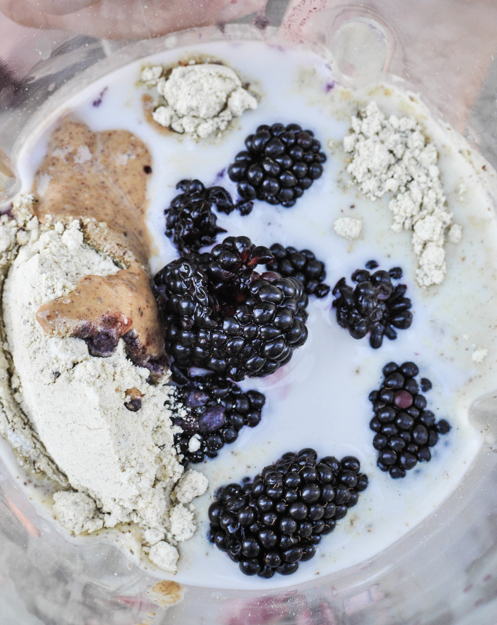 VeganBlackberryIceCream-16.jpg