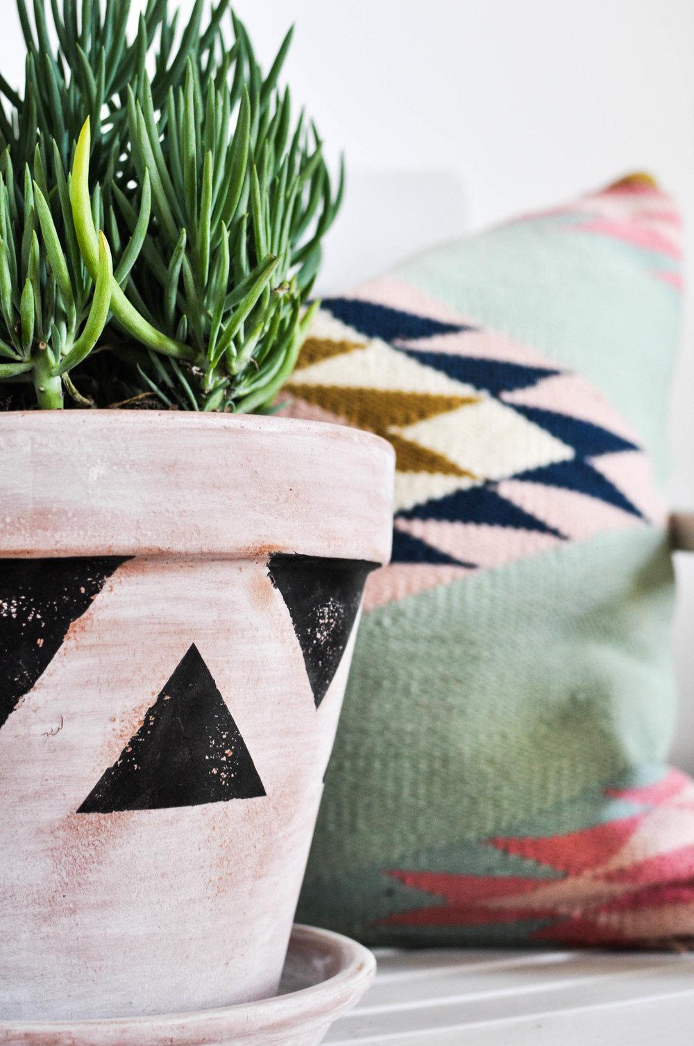 Southwestern pot DIY motif