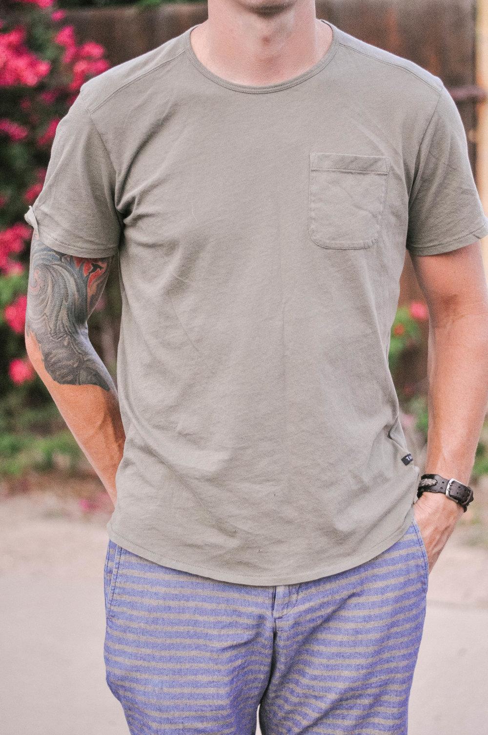 Mens-Urban-Outfitters-Tee-2.jpg