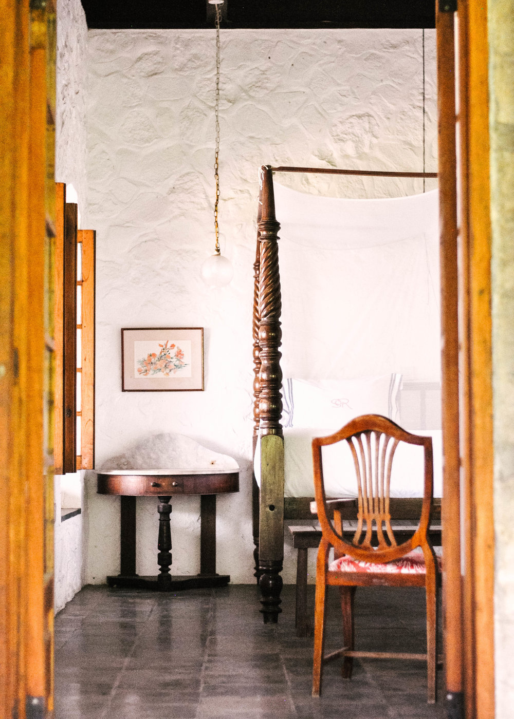 Bedroom island decor