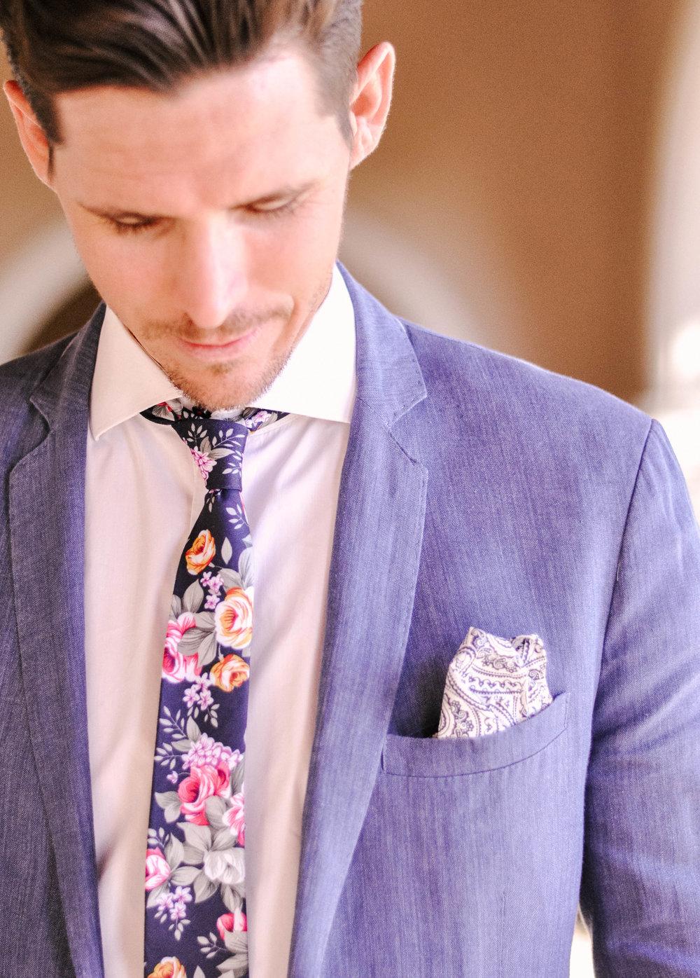 Mens Slim Floral Tie