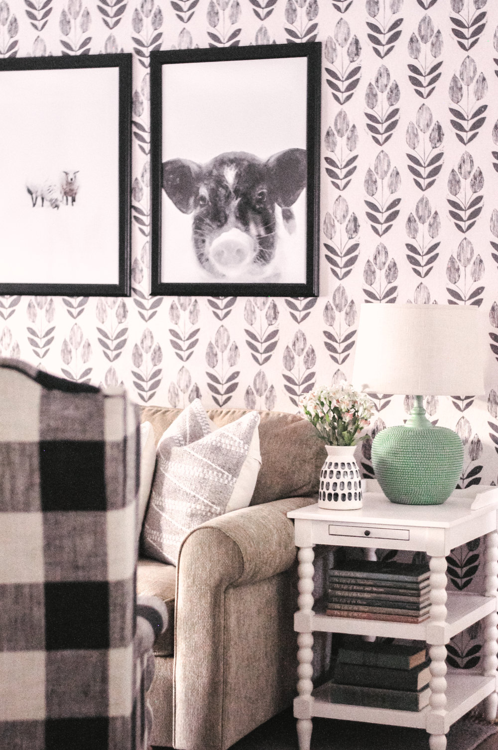 Scandinavian Block Print Tulip Wallpaper in Black and White