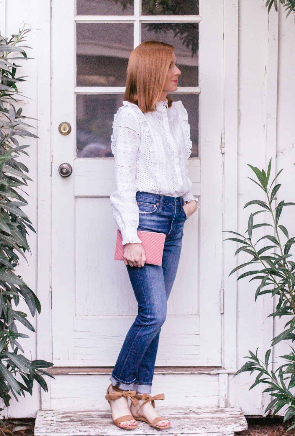 How to Style High Waisted Mom Jeans for Spring