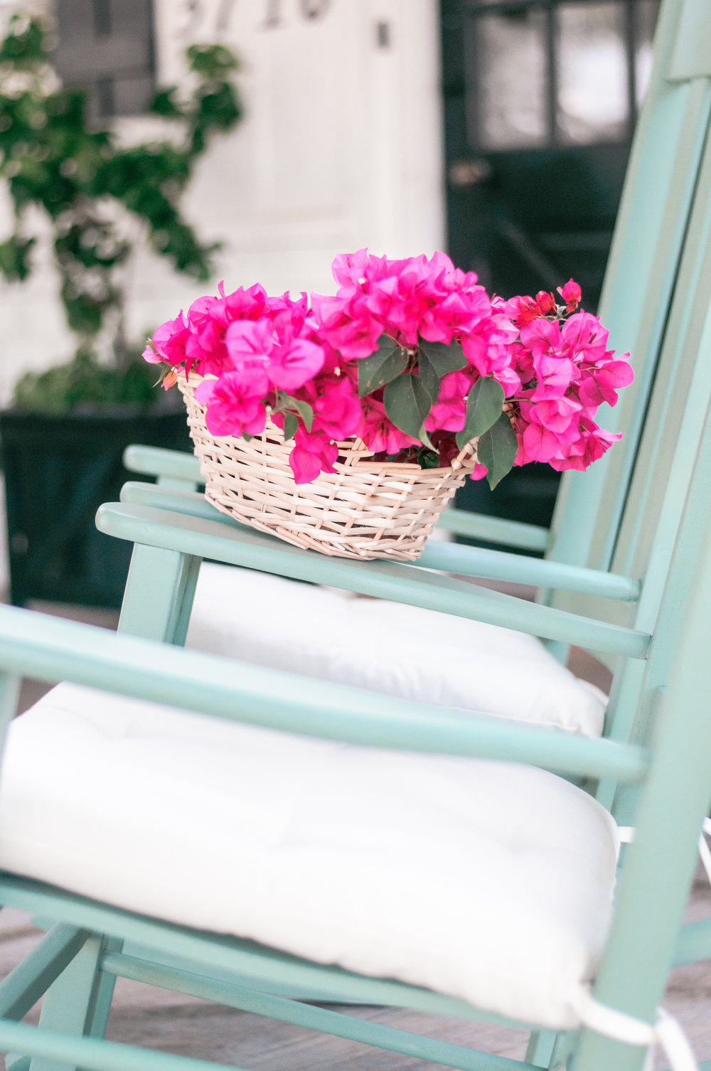 DIY Painted Farmhouse Outdoor Rocking Chairs