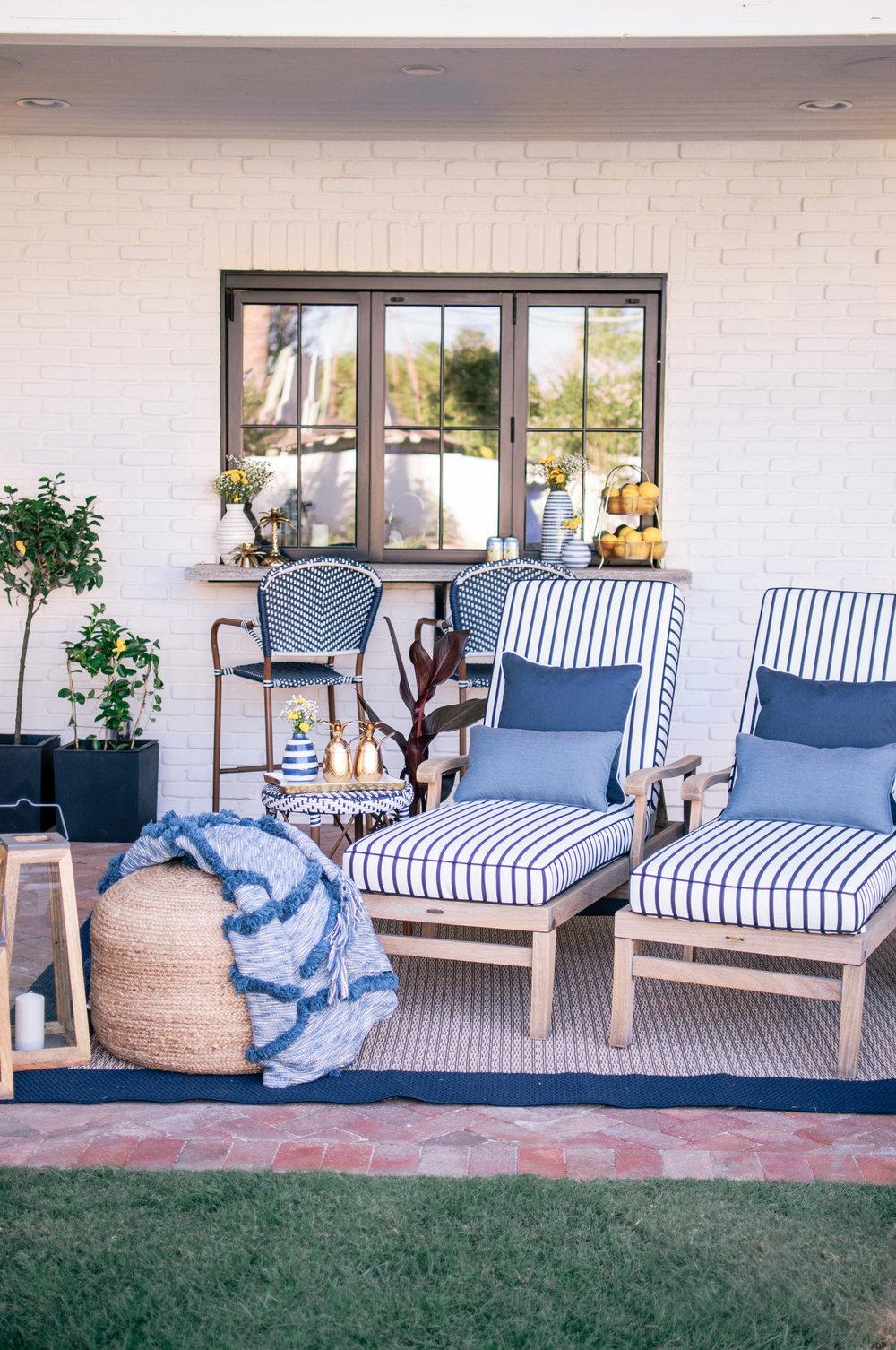 Blue and White Coastal Hampton Style Backyard Patio Decor Ideas