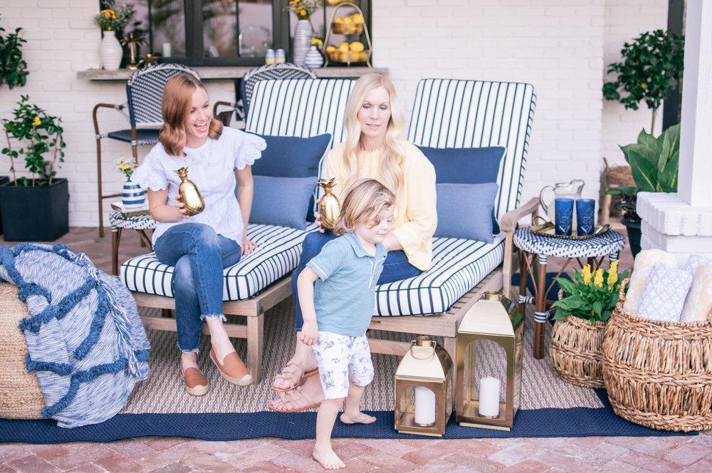 blue-and-white-hampton-style-outdoor-decor-ideas-2.jpg