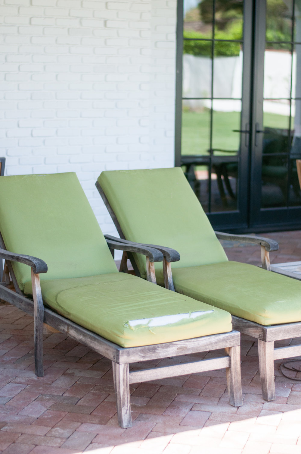 DIY Outdoor Lounge Chair Makeover