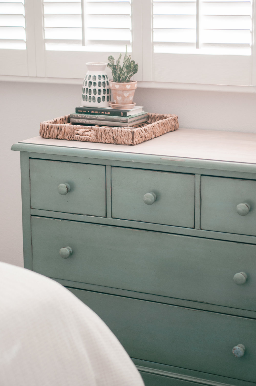 Easy DIY dresser makeover