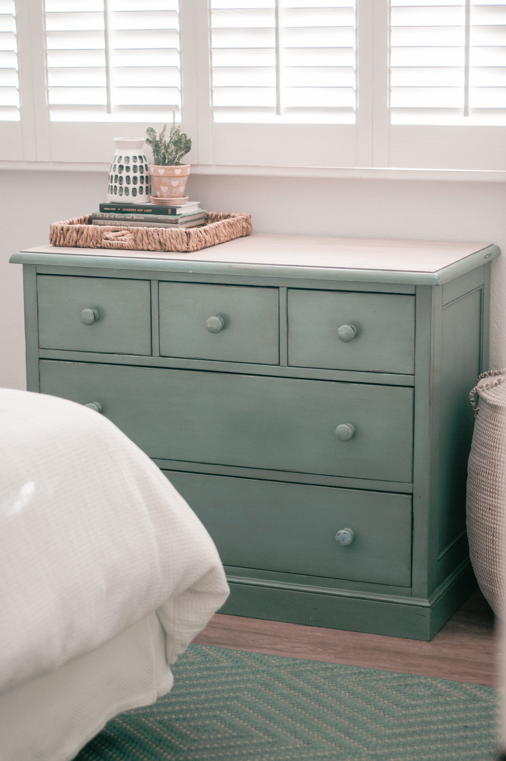 Easy DIY wood dresser makeover