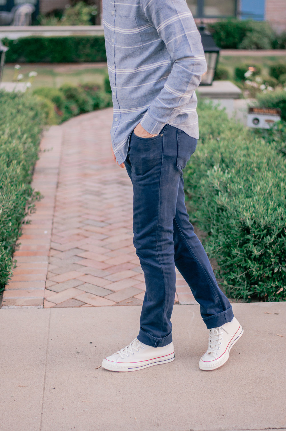 Men's Casual Vintage Sneakers Outfit