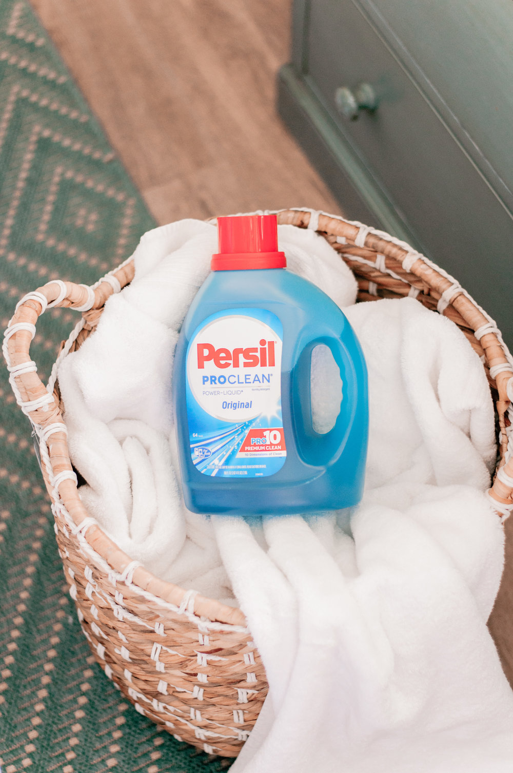 The Best Laundry Detergent for White Linens