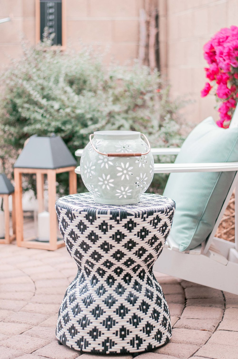 Best Decor Ideas for a Fire Pit on a Patio