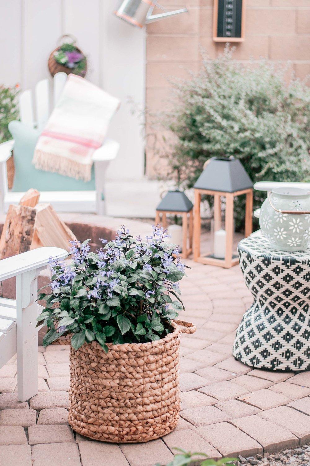 Cheap, Easy Outdoor Living Space Decor Ideas