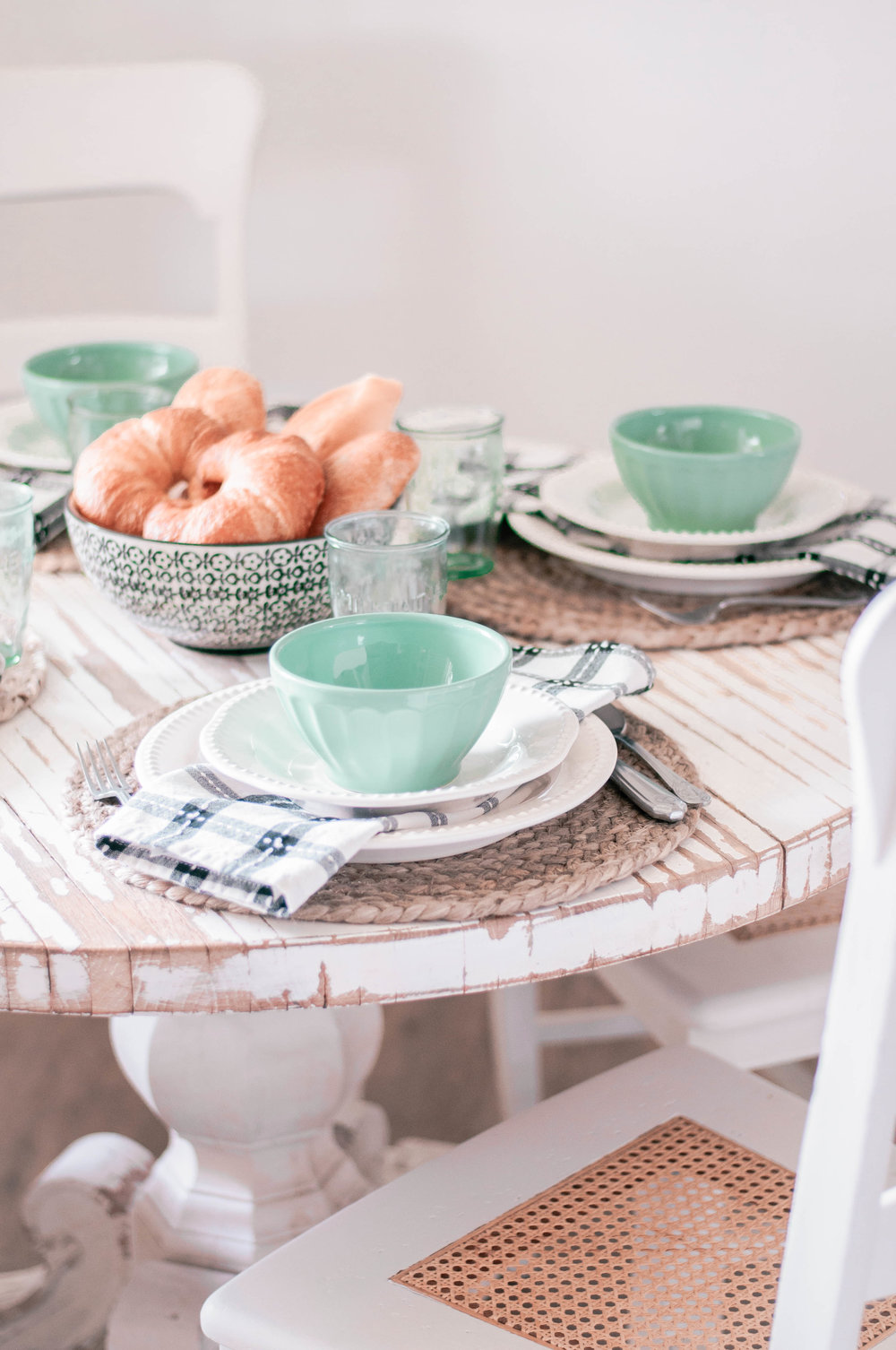 Cottage Farmhouse Breakfast Nook Table