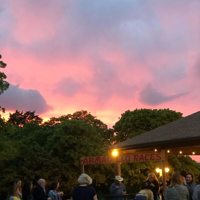 Armadillo races and a beautiful Texas sunset. What else could you ask for from a gig? 😏
