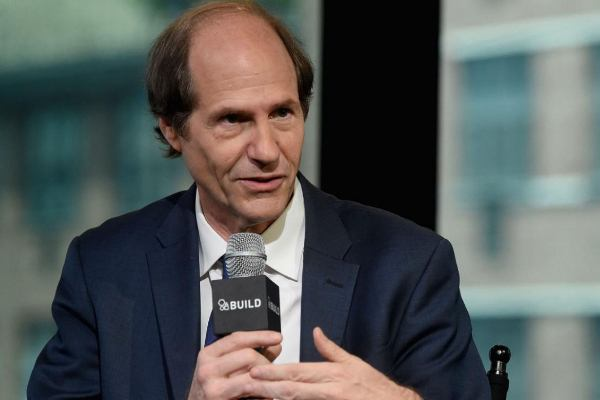 Cass Sunstein, author of Nudge