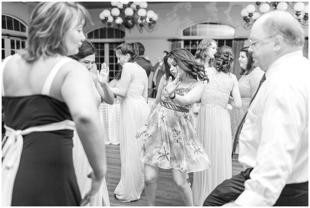 Old-Hickory-Golf-Club-Wedding-Photos_Woodbridge-Wedding-Photographer_Jessica-Green-Photography-39.jpg