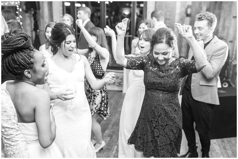 Manassas-Virginia-Wedding-Photos_Winery-at-Bull-Run-Wedding_Jessica-Green-Photography-64.jpg