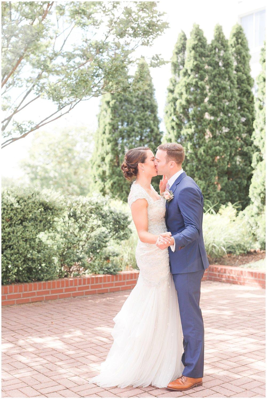 Glen-Allen-Wedding-Photos_The-Place-at-Innsbrook-Wedding_Jessica-Green-Photography-17.jpg