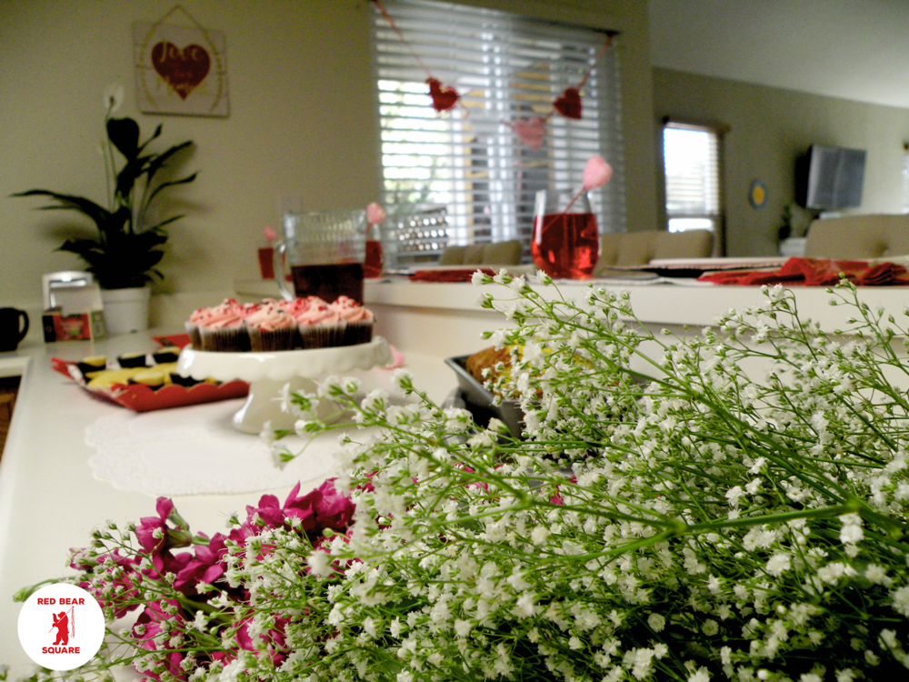 Valentines Tablescape FDSCN5474 small RBS.png