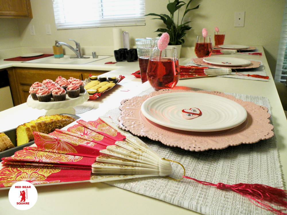 Valentines Tablescape FDSCN5469 small RBS.png