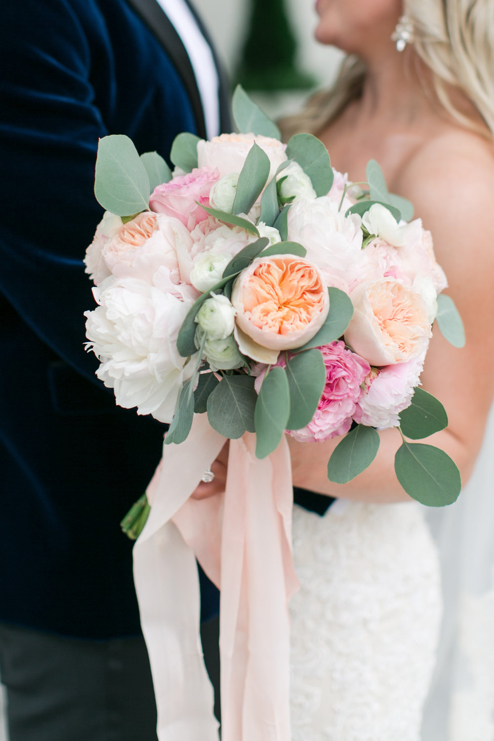 B Floral DC spring bouquet with peony and garden roses